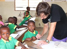 help2kids Tanzania / Volunteering at the primary school