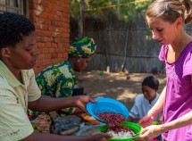 help2kids volunteer rice and beans 1